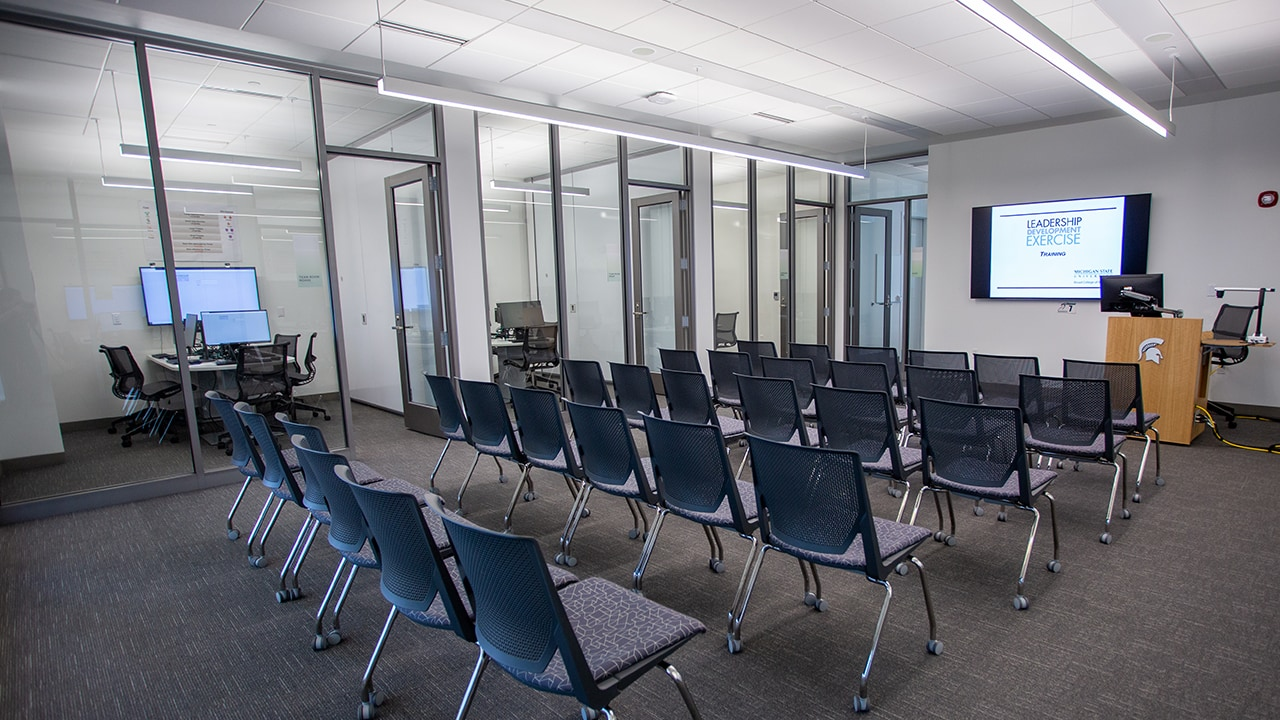 A view of the Brian and Michele Kesseler Team Leadership Lab with no people.